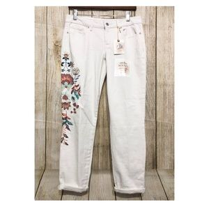 Jessica Simpson Jeans Floral Embroidered Stretch